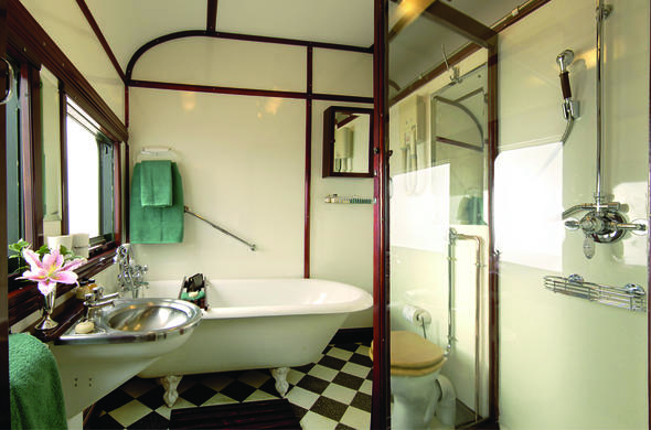 Royal Suite bathroom.